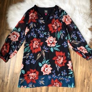 NWOT Vince Camuto Floral Chiffon Shift Dress